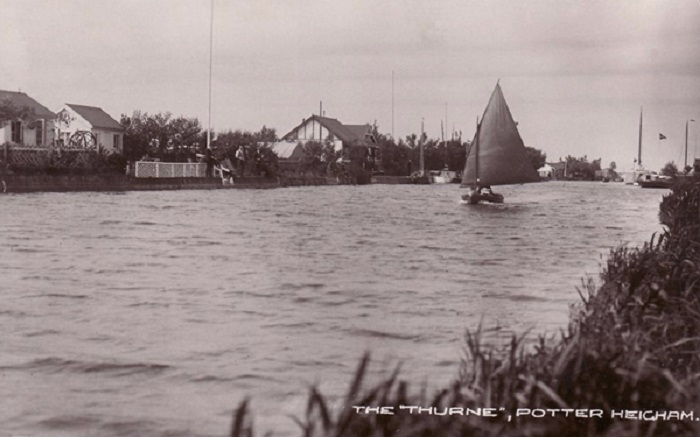 Riverside bungalows on the Thurne at Potter Heigham c1919
